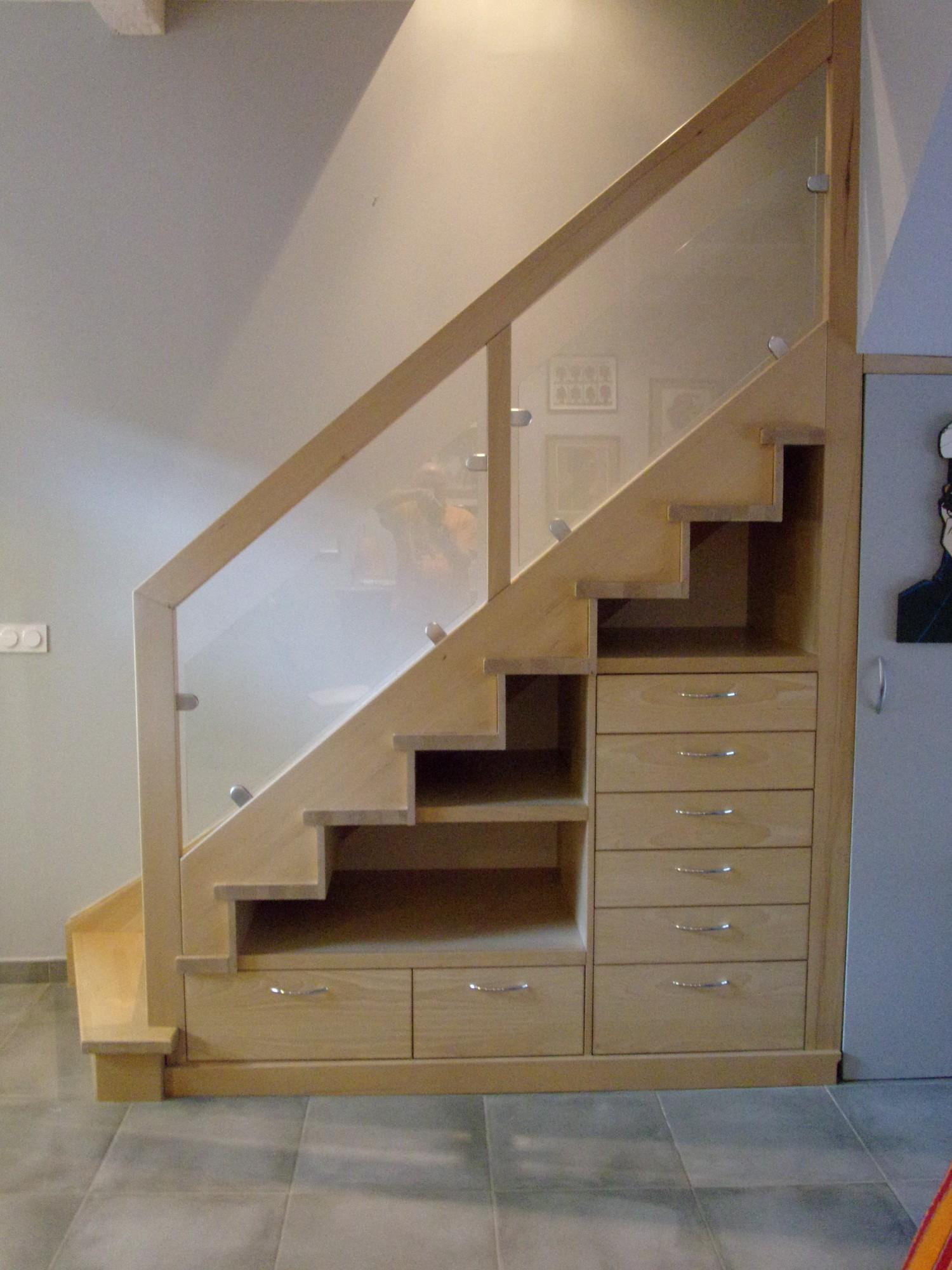 Escalier bois avec rangement - MENUISERIE MD Marseille - Menuiserie MD